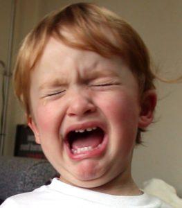 Почему ребенок плачет 6